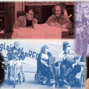 Collage mit verschiedenen Fotos aus der Geschichte der Selbstbestimmt Leben Bewegung in Österreich – Foto: Unsere Zeitung (Hannah Wahl)