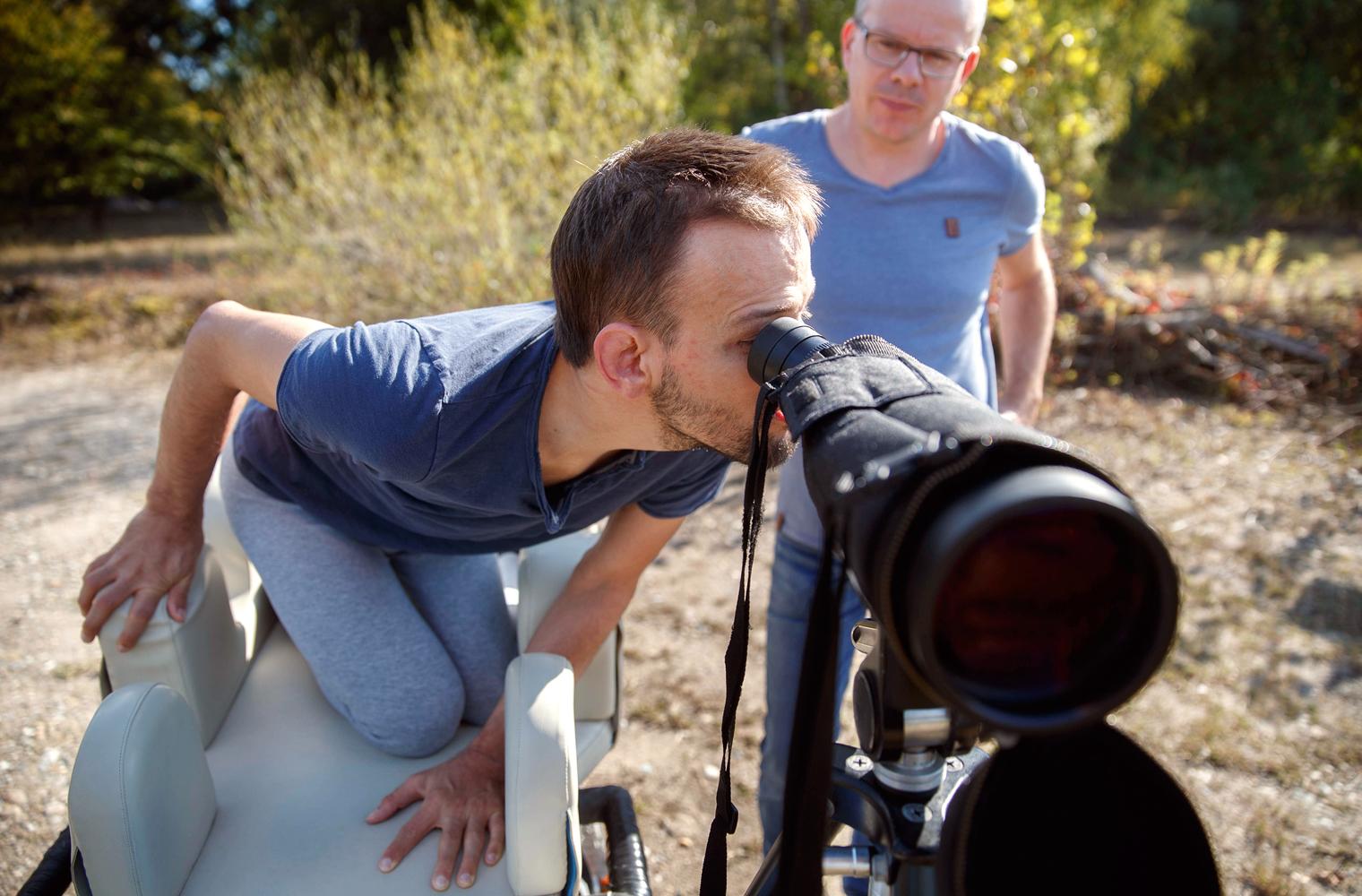 Freunde beim Birdwatching, Foto: Gottfried Stoppel