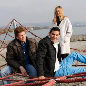 Kai Markram mit seinen Eltern am Strand - Foto: Darrin Vanselow/Mater