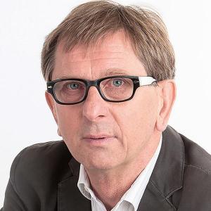 Porträtfoto von Prof. Dr. Ewald Feyerer