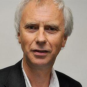 """Porträtfoto von Professor Dr. Wolfgang Hinte, dem """"Vater"""" des Konzepts Sozialraumorientierung."""