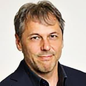Porträtfoto von Univ.-Prof. Dr. Hans Karl Peterlini